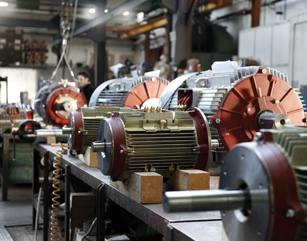 Перемотка трехфазных электродвигателей аир 180 в Харькове