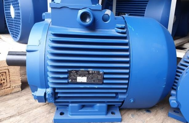 Электродвигатель 5,5 квт на складе в Харькове
